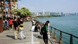台北(18)淡水観光(紅毛城・フェリーで八里へ・淡水老街)