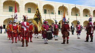 マルタ島(11) バレッタで騎士団パレード「インガーディア」を見学