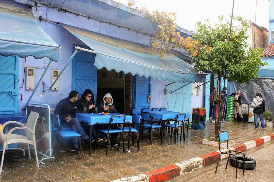 シャウエン 地元カフェ